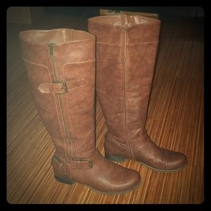 Buckled brown boots
